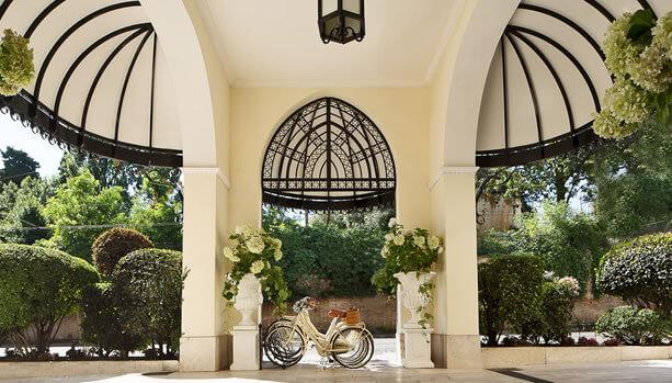 Aldrovandi Villa Borghese - Entrance