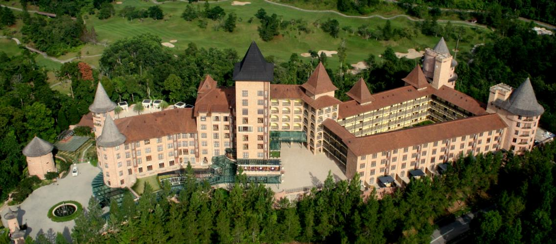 The Chateau Celebrates its Opening by Winning Four Awards