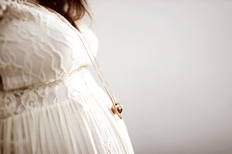 BOLA Pregnancy Necklace by ILADO Paris